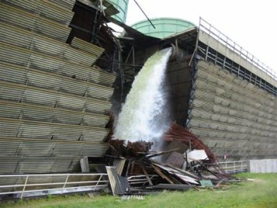 Vermont-Yankee-cooling-tower-collapse-2007